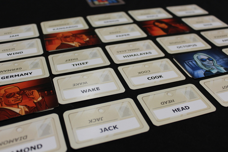 5 for the 5th - Party Games Codenames