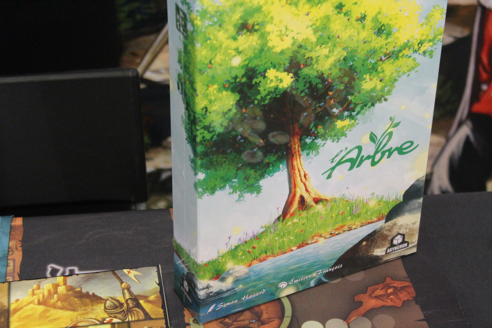 L'Arbre - The box art is good tease of the gorgeous artwork that's inside.