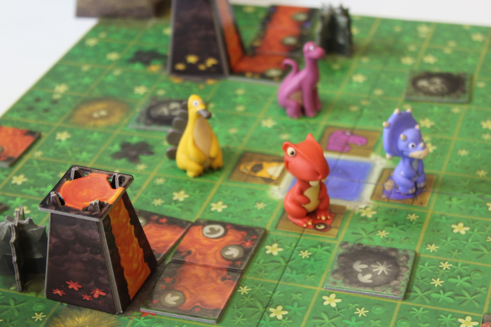 SOS Dino - Prehistoric cooperative survival game from Iello, cute as hell.