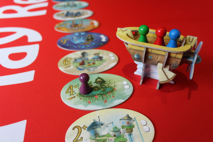 5 for the 5th - Beautiful Boards and Cards Airship